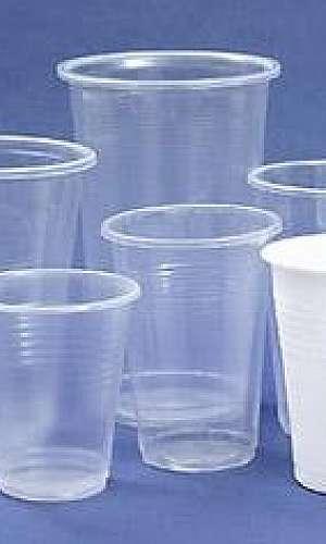 Embalagens plásticas descartáveis